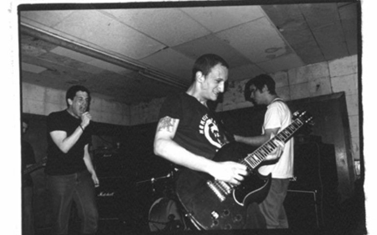 Saetia guitarist Jamie Behar