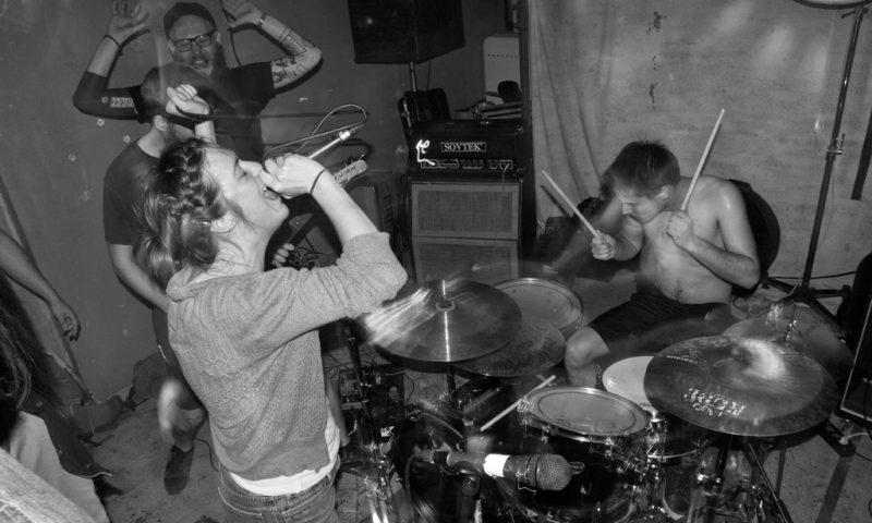 Gattaca crust punk hardcore praha machine utile annecy